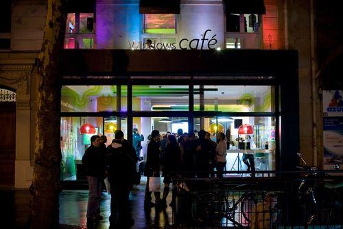 Windows-Café-Paris-01